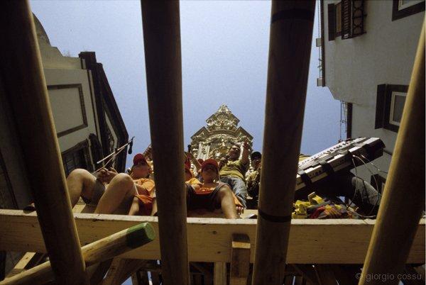 Banda del Giglio Barrese visto da sotto le varre © giorgio cossu.jpg