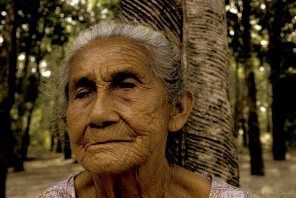 Ultima soldatessa del lattex, Amazzonia © giorgio cossu.jpg