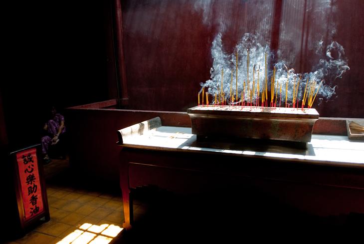saigon-incense-for-deads